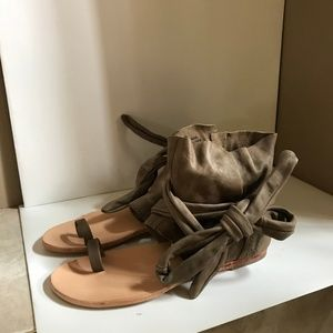 76ce0436061 FREE PEOPLE CUFF ANKLE WRAP AROUND SANDALS SZ 39